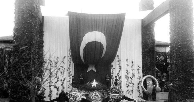 Ankara Üniversitesi  Atatürk'ün cenazesine ait 36...