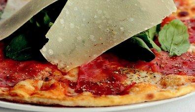 Mozzarellalı Pizza
