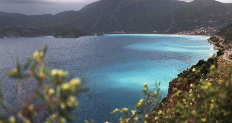 Fethiye'de deniz, rengiyle büyüledi