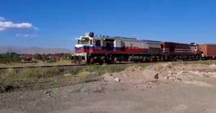 Çin'den gelen 1 kilometrelik dev tren Türkiye'ye ulaştı