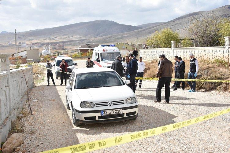 Kayıp galerici, otomobilde başından vurulmuş ölü bulundu