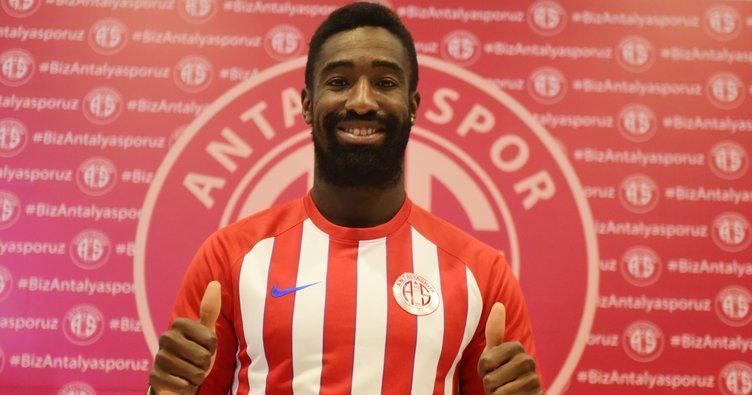 Antalyaspor, Djourou ile 2+1 yıllık sözleşme imzaladı