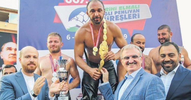 667. Elmalı Güreşleri'nin kazananı Ali Gürbüz oldu