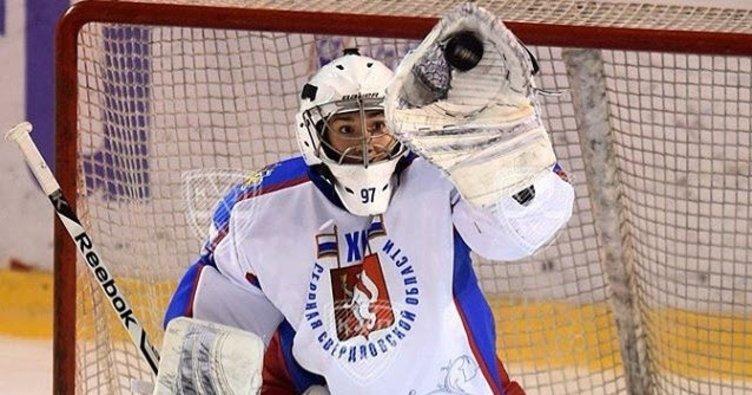 Buz hokeyinde Olimpiyat kalecisi Korsanları seçti