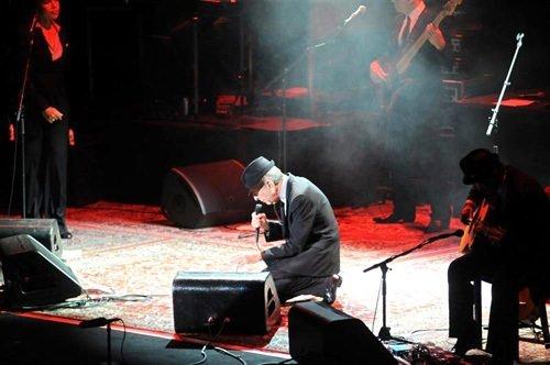 Leonard Cohen hayranlarını büyüledi