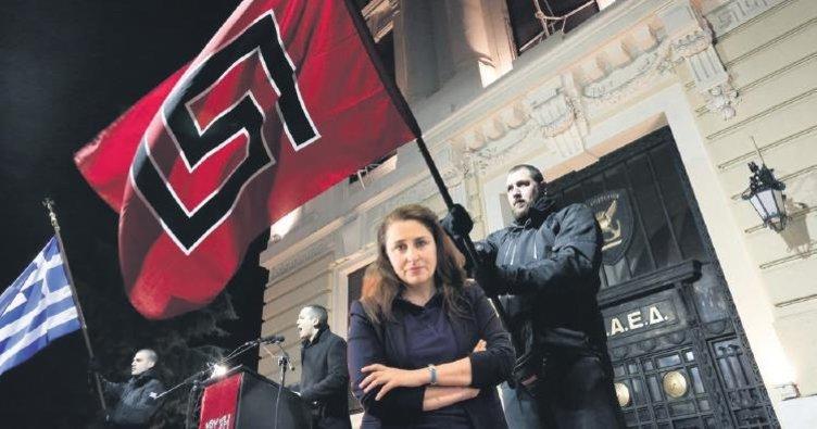 Neo-Nazi polisler Türkler'i tehdit ediyor