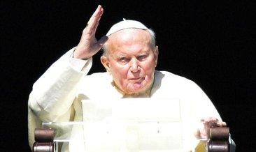 Papa II. John Paul'ün kutsal emanetleri çalındı