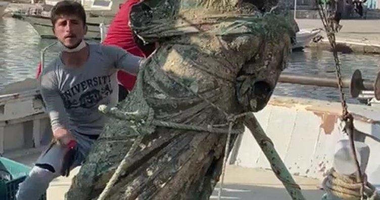 Balıkçı ağlarına 2 metrelik heykel takıldı
