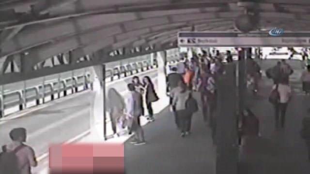 Metrobüs yoluna düşen kadının kamera görüntüsü yayınlandı