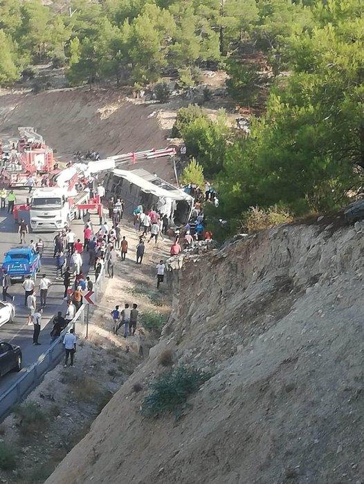 Son dakika haberi: Mersin Mut'ta askerleri taşıyan otobüs devrildi: 4 asker şehit oldu, 2 şoför hayatını kaybetti...