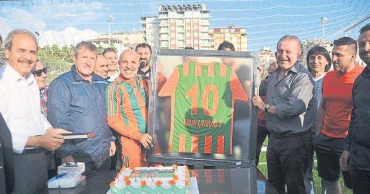Başkan Çavuşoğlu'na doğumgünü sürprizi