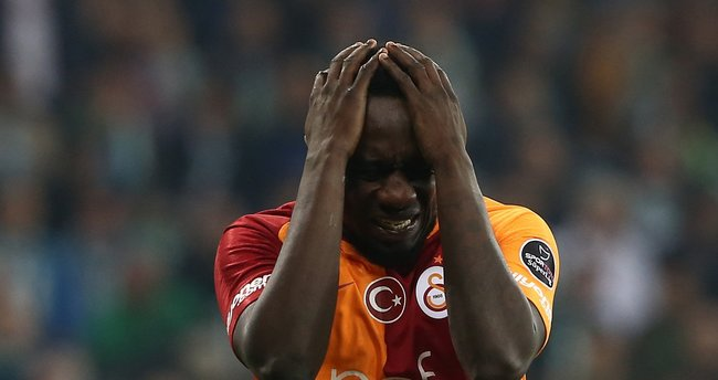 Galatasaray'ın yıldızıyla resmen yollar ayrıldı!