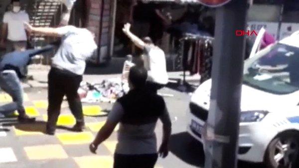Son Dakika Haberi   İstanbul Küçükçekmece'deki sopalı bıçaklı dehşetin görüntüleri ortaya çıktı   Video