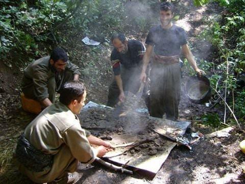 Şok eden PKK fotoğrafları