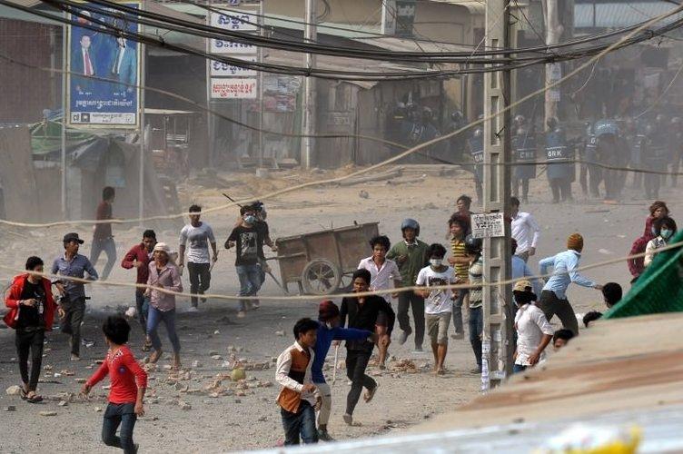 Tekstil işçilerine polis kurşunu