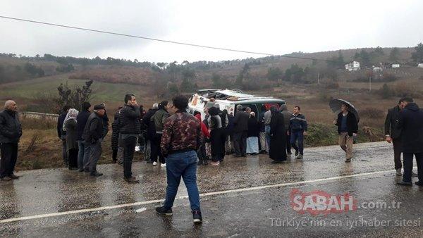 Bursa'da cenaze'den dönenleri taşıyan midibüs devrildi