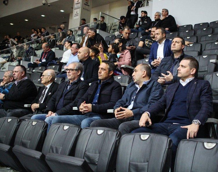 Fenerbahçe Galatasaray'ın eski yıldızını peşinde!