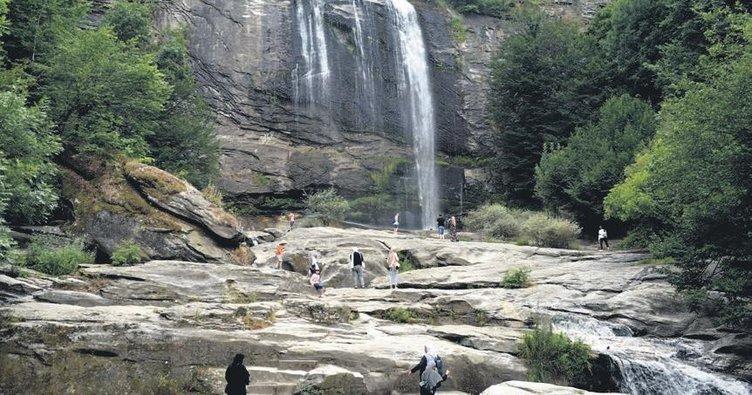 Turistler Suuçtu'ya akın ediyor