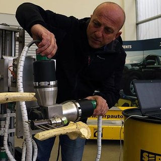 Türk mühendisler ameliyat robotu geliştirdi!