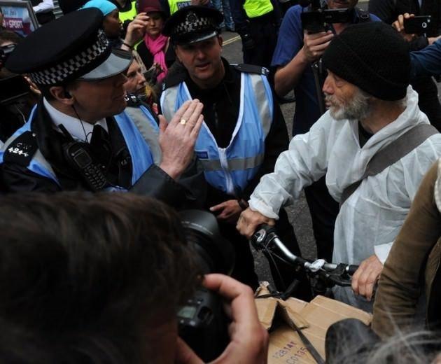 Londra'da G-8 protestosu