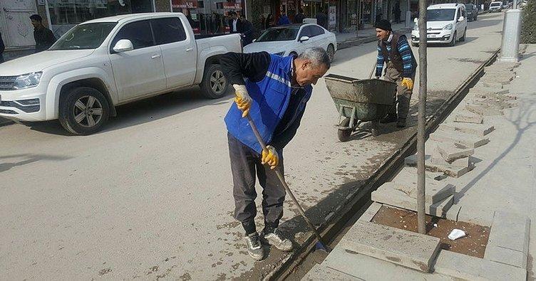 Silopi'de yağmur suyu tahliye kanalları temizlendi
