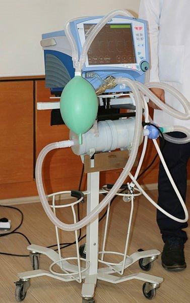 Afyonkarahisar'da 4 bilim insanı, koronavirüsü süzen UV-C sterilizatör cihazı üretti