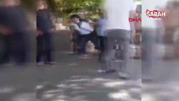 Minibüste kadın ve erkek yolcunun 'öksürük' kavgası   Video