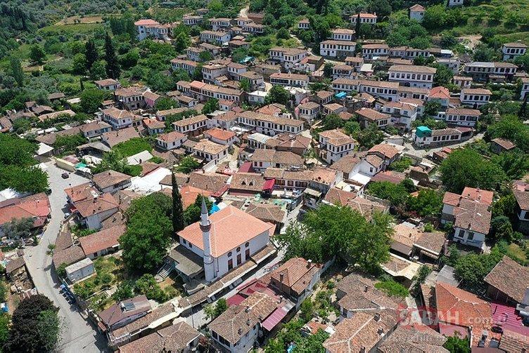 Sessizliğe bürünen kıyamet köyü yeni normale hazırlanıyor