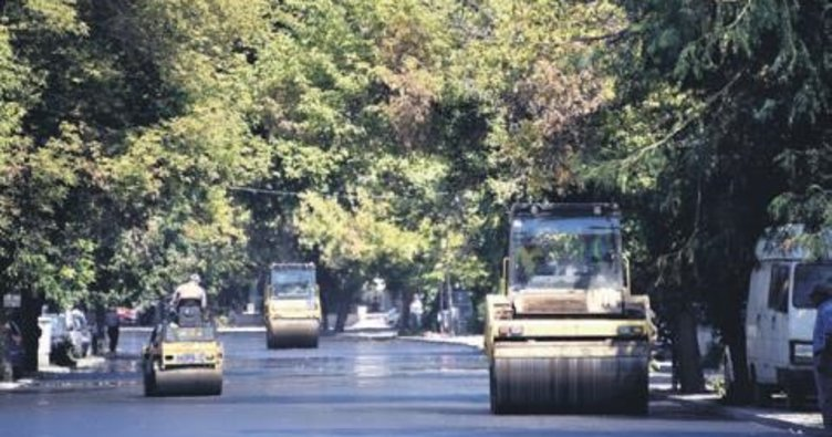 Atatürk Bulvarı'nda asfalt çalışması