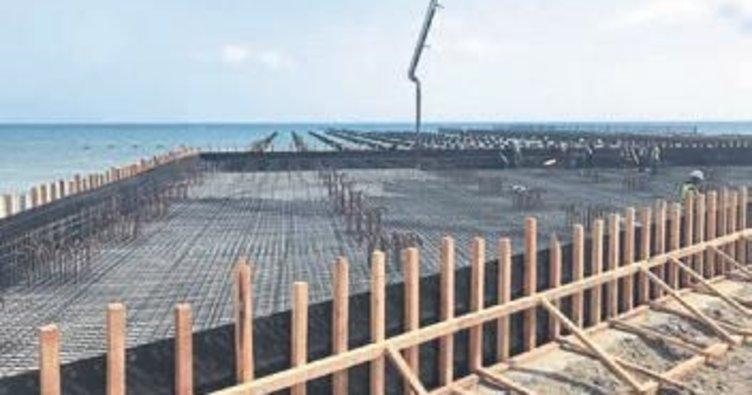 Anamur Limanı'nda tablalar dökülüyor