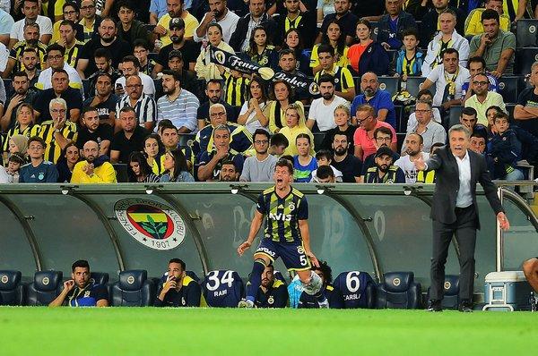 Ersun Yanal'dan Fenerbahçe'nin yıldızına kesik!