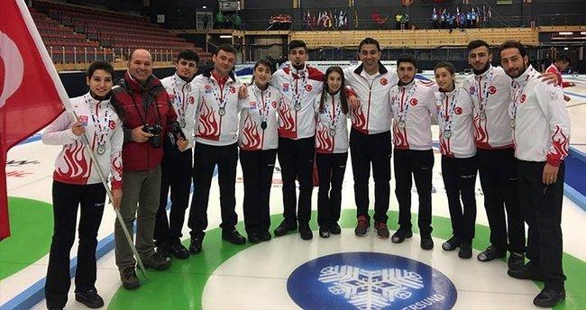Curling'de dünya ikincisi olduk