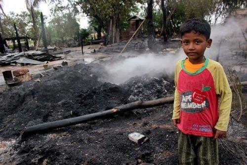 Müslüman köyüne saldırı