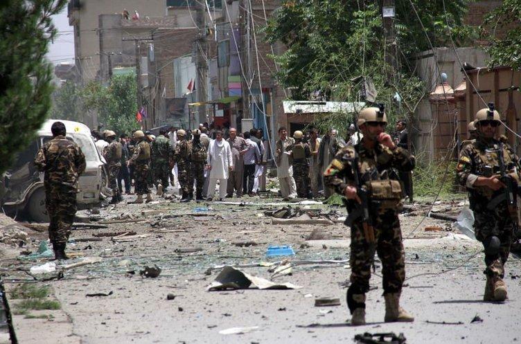 Afganistan'daki NATO konvoyuna bombalı saldırı