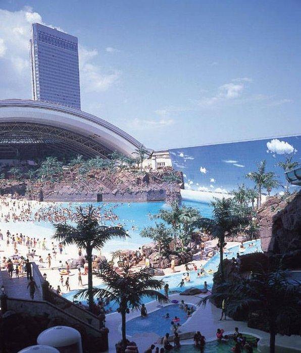 Dünyanın en büyük kapalı plajı!