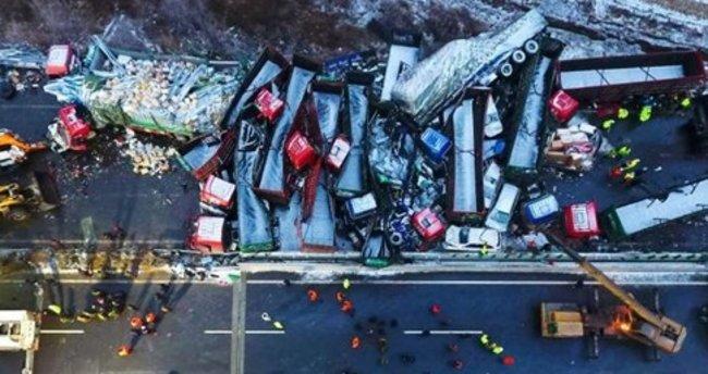 Çin'de zincirleme trafik kazası: 17 ölü