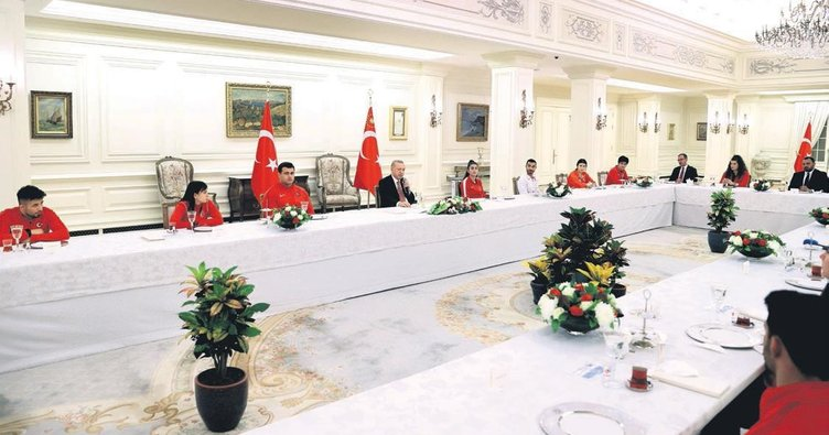 Erdoğan'dan milli sporculara iftar