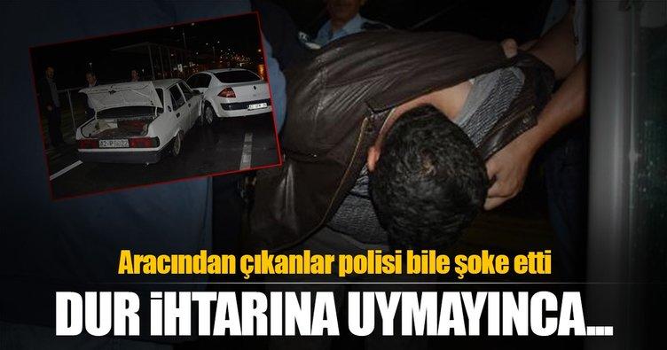 Kaçtığı otomobille polis aracına çarpınca yakalandı