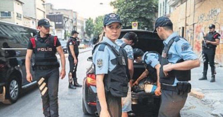 İzmir'de aranan 336 kişi yakalandı