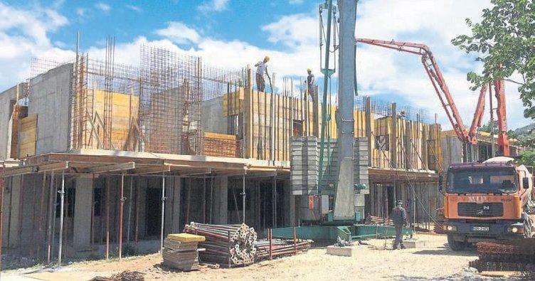 Yurt inşaatı devam ediyor