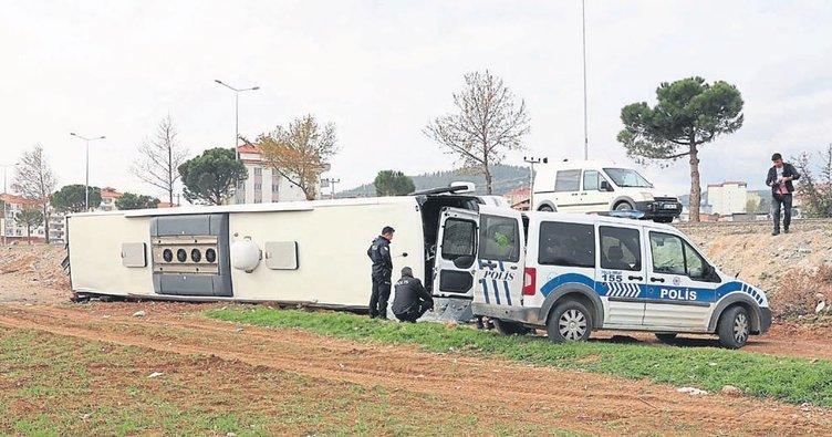 Devrilen otobüste can pazarı yaşandı