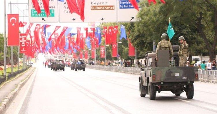 Vatan Caddesi 30 Ağustos Zafer Bayramı provası için ulaşıma kapatıldı