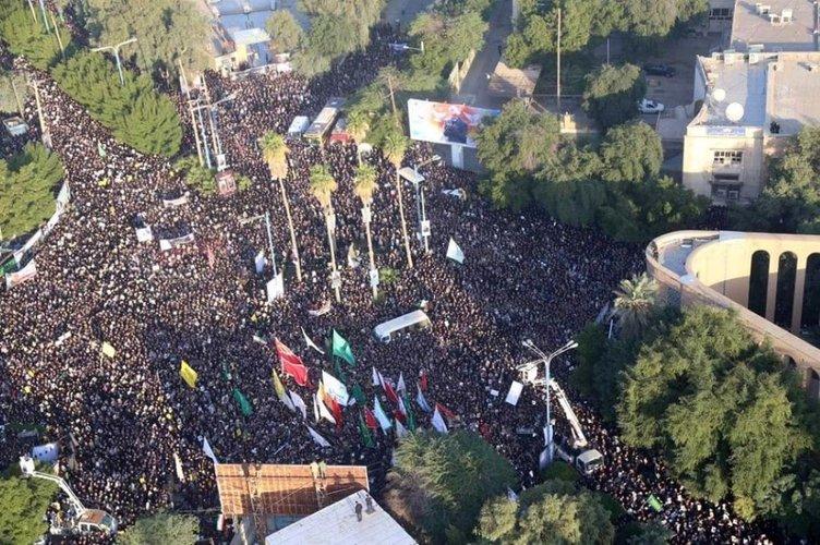 Binlerce İranlı sokağa döküldü! Kasım Süleymani için Ahvaz'da cenaze töreni...