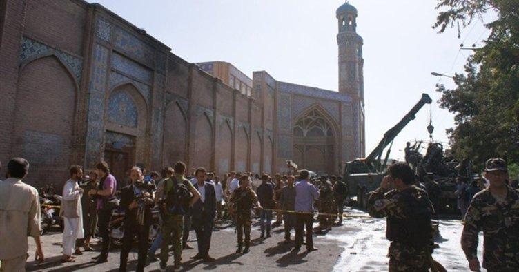 Afganistan'da camiye silahlı saldırı: 4 ölü, 40 yaralı!