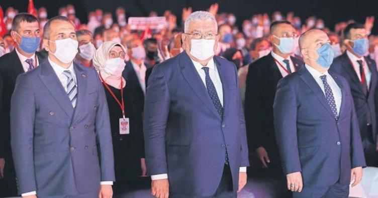 MHP Antalya'da gövde gösterisi yaptı