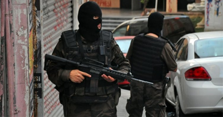 İstanbul'da nevruz öncesi terör operasyonu: 5 kişi yakalandı