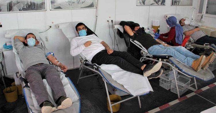Kısıtlamadan muaf tutulan bağışçılar kan bağışında yarışıyor
