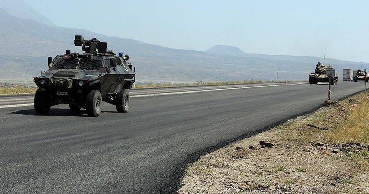 Son dakika! Hakkari'de zırhlı araç devrildi: 2 şehit