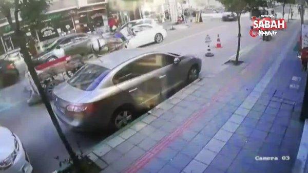 Bursa'da sahipsiz atın caddede 4 nala koştuğu anlar kamerada | Video