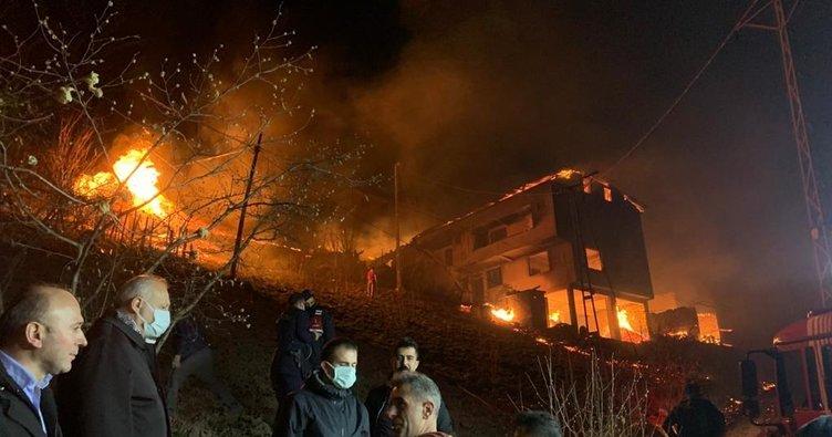 Trabzon'da yangın; 7 ev kül oldu